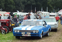 Oldsmobile Cutlass (peterolthof) Tags: neurhede 1011092016 peter olthof peterolthof