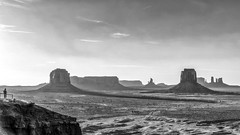 Alone in Monument Valley (Isabelle Gallay) Tags: monumentvalley amrique america arizona utah usa etatsunis travel fuji fujifilm fujix30 bnw blackwhite blackandwhite blancetnoir monochrome people homme man dsert sunset