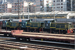 Siam tre piccoli diesellin,tutti e tre coi biellin.... (Maurizio Zanella) Tags: italia trains genova railways fs trenitalia treni ferrovie sampierdarenasmistamento d2452252 d2452259 d2452254