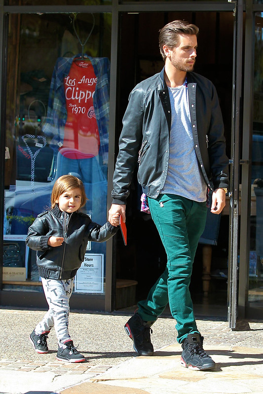 Scott Disick and his son Mason have lunch in Calabasas Featuring: Scott Disick,Mason Disick Where: Los Angeles, California, United States When: 20 Feb 2013 Credit: WENN.com