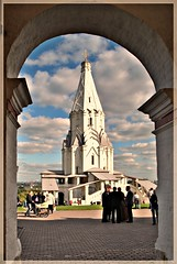 (Serge 585) Tags: park old city autumn sky tower art history tourism church museum architecture religious town cathedral russia moscow religion muse september histoire antiques museo russian orthodox architettura kolomenskoye storico        me2youphotographylevel1