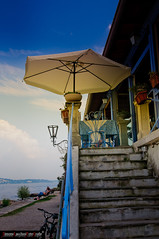 Lago Maggiore (Isola dei pescatori) (frillicca) Tags: panorama lake details dettagli lagomaggiore particolare beachumbrella 2011 isoladeipescatori