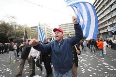 (spirofoto) Tags: holiday greek europe day protest athens greece national 25 independence junta crisis 2013 25march ελλαδα συνταγμα spirofoto πλατεια παρελαση χουντα μαρτιου αστυνομια κριση φωτορεπορτερ συνταγματοσ εορτη ντοκουμεντο διαμαστυρια