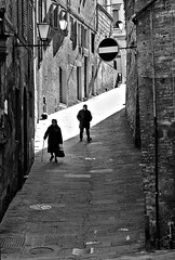 """Siena, old people in old town"" < Explore > (pigianca) Tags: winter blackandwhite monochrome downhill explore streetphoto siena inverno oldtown slope biancoenero centrostorico pendio discesa monocromatico viadellabbadia"