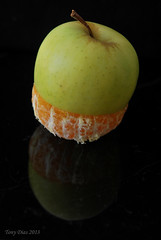 Mapple (Tony Dias 7) Tags: black macro reflection apple dark mandarin