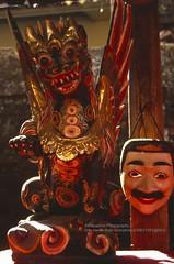 Bali, Amlapura, traditional souvenirs (blauepics) Tags: indonesien indonesia indonesian indonesische bali island amlapura hindu religion temple tempel mask maske red rot souvenirs traditional traditionell