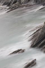 Composicin sobre acantilados de flysch, Zumaia (Daniel Salgado Lemos) Tags: seleccionar flysch zumaia euskadi pasvasco canon 7d 100mm cantbrico