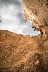 _DSC5250.jpg (SimonR91) Tags: lamerosse fiastra sibillini montisibillini regionemarche marche italy italia mountains lake trekking beauty nikon nikond750 clouds sun blades redblades
