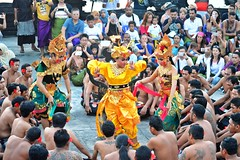 Kecak Dance at Uluwatu (Roselinde Alexandra) Tags: kecak dance uluwatu temple hindu culture art dancer dancers costume traditional travel indonesia