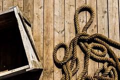 Sur le quais... (marinvirieux) Tags: marron parapet latte bois cargaison caisse corde bateau pont