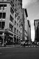 (LG_92) Tags: newyork bigapple ny usa 2016 september nikon d3100 dslr bw blackandwhite blackwhite monochrome outdoor street