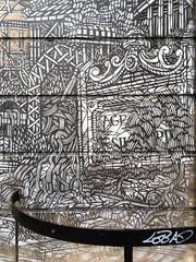 22-09-16 Rue de Vaugirard, Paris 14 (marisan67) Tags: iphone5se 365 rue 2016 iphonegraphy street iphonographie pola streetphoto streetart clich photographie iphone murs instantan iphonographer polaphone 365project detail paris graffiti dtail iphoneographie photo iphonography