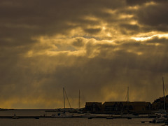 Bad weather in the horizon (Vidar Ringstad,Skedsmo) Tags: blue winter shadow sea sky sun cold sol nature weather yellow norway clouds canon buildings dark boats eos grey norge photo vinter google europa europe flickr heaven horizon natur norwegen himmel blowing images 7d fjord scandinavia gul skyer oslofjorden koster silouettes bl bter sj bilde hvaler gr skygge sailingboats skandinavia seilbter mrk kaldt bygninger horisont siluett mrkt blser naturepic vr naturbilde skytheme vidarringstad creativephotocafe