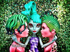 Year of the Snake (Nataloons) Tags: green monster high intense eyes doll skin snake sparkle scales trio medusa mattel deuce gorgon ophis createamonster monsterhigh deucegorgon uploaded:by=flickrmobile flickriosapp:filter=nofilter ophissia