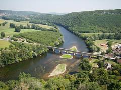 Valle de la Dordogne (leroyo) Tags: raw olympus panasonic f25 omd 14mm rpp em5 valledeladordogne