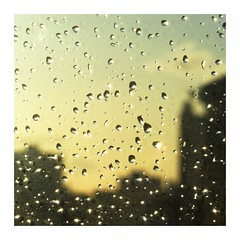 Rainbow? (Machicouly) Tags: sun sol window rain ventana soleil lluvia rainbow pluie drop gota fentre goutte machicouly