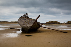 Wreck (OgniP) Tags: beach boat wreck donegal bunbeg