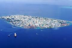 Malé (timo_w2s) Tags: city male maldives seaplane malé twinotter maldivianairtaxi captial