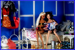 La Modelo Contest Theme 3: Bonding with my BFF (summer-sun) Tags: girls london girl fashion deutschland bed doll barbie dynamite calling basics royalty diorama dayle louboutin summersun