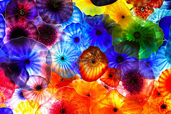 Fiori di Como (Gary Burke.) Tags: flowers abstract gambling color chihuly art glass colors canon eos rebel lights hotel colorful artist lasvegas nevada blossoms ceiling resort lobby nv chandelier bellagio dslr dalechihuly glasssculpture glassflowers fioridicomo garyburke bellagiolobby klingon65 t1i canoneosrebelt1i glassblossoms