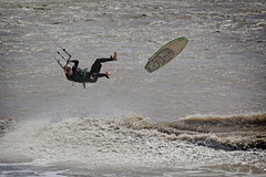 Trop d'air (MBadia) Tags: kite surf wind windy kitesurf saintlaurentduvar