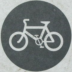 Wide barrier use - bicycle (Leo Reynolds) Tags: xleol30x squaredcircle signinformation bicycle cycle bike pictogram canon powershot sx210 is 001sec f50 iso80 sqset095 hpexif xxx2013xxx sign