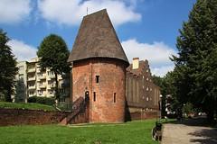 The witch tower in Supsk (Krzysztof D.) Tags: supsk pomorskie pomorze polska poland polen architecture architektura baszta
