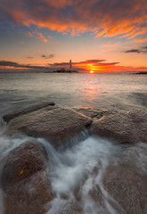 St Mary's Lighthouse (Calum Gladstone) Tags: seascape sunrise st marys lighthouse lee filters canon 6d