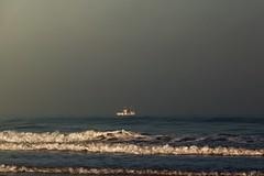 Fischerboot... (hobbit68) Tags: sky himmel clouds ozean sommer andalucia boats outdoor sonne old wolken strand canon boote wasser sonnenaufgang nacht sonnenschein alt playa espana spanien urlaub beach nebel ufer meer