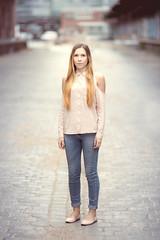 Center of attention. (Henrik - hallomats.de) Tags: portrait woman nikon d600
