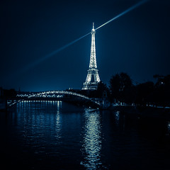 You can't miss it ! (william 73) Tags: paris france tour eiffel olympus zuiko 25mm f18 omd em10 mk2 nuit night bynight formatcarr