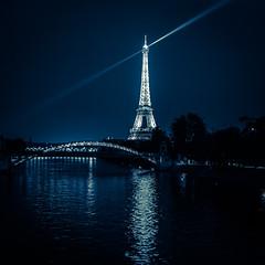 You can't miss it ! (william 73) Tags: paris france tour eiffel olympus zuiko 25mm f18 omd em10 mk2 nuit night bynight formatcarr