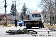 Dirtbike struck by Tow truck at Atwater and Northmount (Dan Sutton) Tags: crash atwater dirtbike mississauga struck prp mvc northmount peelregionalpolice saturdaymarch302013