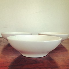 Franciscan Interpace Whitestone Ware Berry Bowls. (Alice et Christine) Tags: square squareformat rise dinnerware midcenturymodern franciscan mcm californiapottery whitestoneware interpace iphoneography instagramapp uploaded:by=instagram