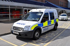 Northumbria Police EK10 EFJ. (Raymondo166) Tags: ford up police northumbria parked van connect metrocentre efj ek10