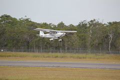 Terrier T100 doing circuits at Hervey Bay (Ben May) Tags: cross wind crosswind touchandgo hvb yhba terriert100