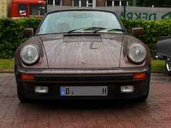 Porsche 930 turbo (face) (Transaxle (alias Toprope)) Tags: auto show berlin classic cars beauty car vintage nikon power antique voiture historic retro event coche soul carros classics carro oldtimer bella autos veteran macchina carshow coches veterans clasico voitures toprope antigo antigos clasicos
