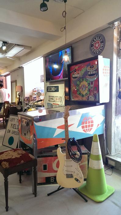 台北東區古董家具咖啡廳Space time cafe (15).jpg