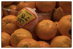 DEFRY (chabish123) Tags: barcelona defry oranges fuji xpro2 lightroom colorefexpro