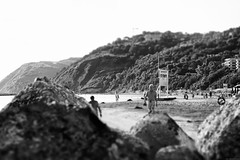 Over the cliffs (Mario Ottaviani Photography) Tags: cliffs reefs beach sea seascape morning earlymorning hills people walking between fotodiox canon sonyalpha biancoenero bianco nero black white blackandwhite bw bn monocromo monochrome grey gray