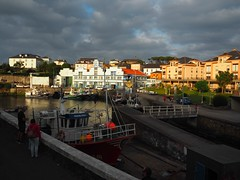 Puerto de Vega (Ana De Haro) Tags: puertodevega asturias costacantbrica mar puerto harbor barcos barcas cielo sky nubes