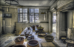 New Inn, Kitchen, Stowe 3 (Darwinsgift) Tags: new inn stowe gardens national trust interior kitchen buckinghamshire hdr photomatix pro 5 voigtlander 20mm f35 color skopar slii history old vintage antique