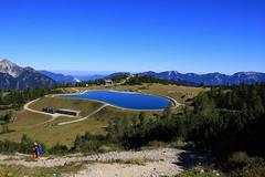 Sommer auf der Höss (rubrafoto) Tags: sommer höss hinterstoder oberösterreich speichersee see berge gebirge totesgebirge gebirgspanorama panorama spitzmauer groserpriel spiegelung wasser natur landschaft sommerlandschaft tourismus alpinesgelände wandern wandergebiet wanderer ooe