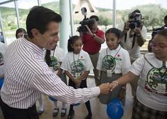 Entrega Ecoparque Centenario y casas del Programa Vivienda Joven (Mi foto con el Presidente MX) Tags: presidente entrega ecoparque centenario zacatecas casas programa vivienda joven enriquepeanieto epn