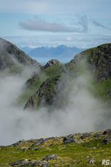 Misty Mountains (Rudi G.) Tags: berg gipfel nebel wolke ausicht lofoten norwegen