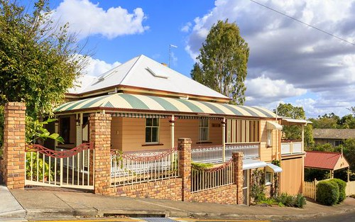 35 Daventry St, West End QLD 4810