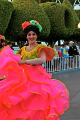 Soundsational-Flower Dancer (thelesliebelle) Tags: disneyland disney entertainment soundsational mickeyssoundsationalparade donaldsfiestafantastico