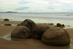 Moeraki Boulders (jurassicjay) Tags: ocean travel sea newzealand beach coast marine rocks boulders coastal nz southisland otago geology moerakiboulders moeraki nodules concretions septarian septariannodules carbonateconcretions