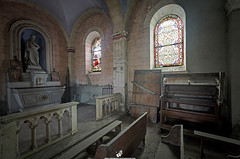 Eglise de G (Lempreinte-Photo-Drone) Tags: urban church religious religion pray papa eglise hdr urbex priere catholique prier glacis