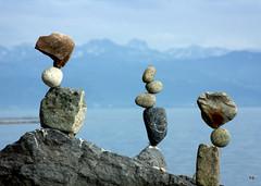 Equilibrio - Rock Balance - Steinbalancen (Heiko Brinkmann) Tags: sculpture germany balance bodensee balancing equilibrium lakeconstance badenwuerttemberg rockbalance langenargen pebblebalancing stonebalance steinbalance hickoree malerecke